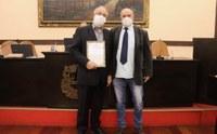 Cafeicultor Paulo Roberto dos Santos recebe Moção de Aplausos e Congratulações